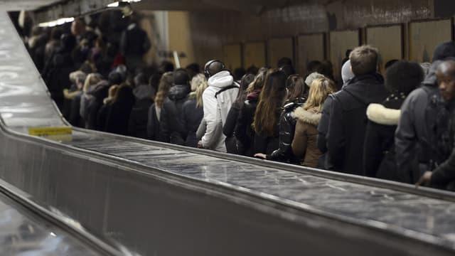 Les centaines de milliers de voyageurs de la ligne A du RER pourraient connaître à nouveau des difficultés ce vendredi.