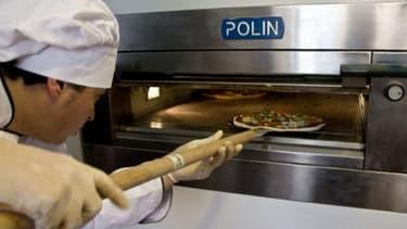 Image d'illustration d'un pizzaïolo