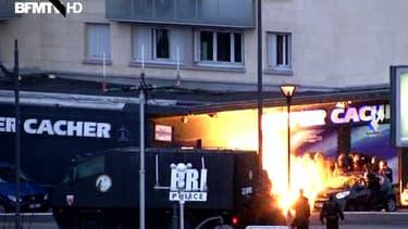 """Une prise d'otages a eu lieu porte de Vincennes à Paris, dans l'épicerie """"Hyper Cacher"""". L'assaut a été donné vers 17h15."""