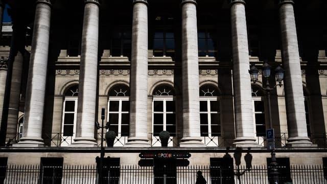 La Bourse de Paris inchangée à l'aube des premiers résultats américains
