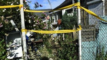 Le jardin de la maison abandonnée où a été retrouvé le corps de Tom, 9 ans, le 29 mai 2018 au Hérie-la-Viéville.