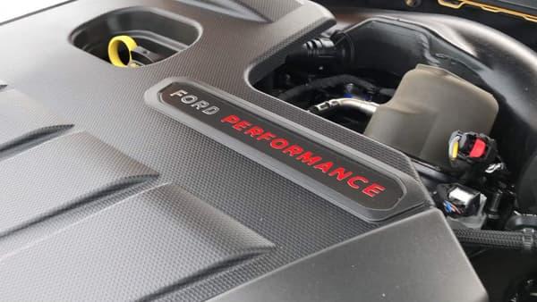 Sous le capot, le moteur 2,3 litres déjà vu sur la Focus RS ou la Mustang EcoBoost.