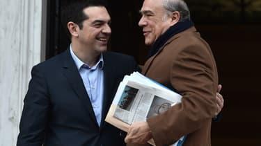 Alexis Tsipras (à gauche) et Angel Gurria (à droite)