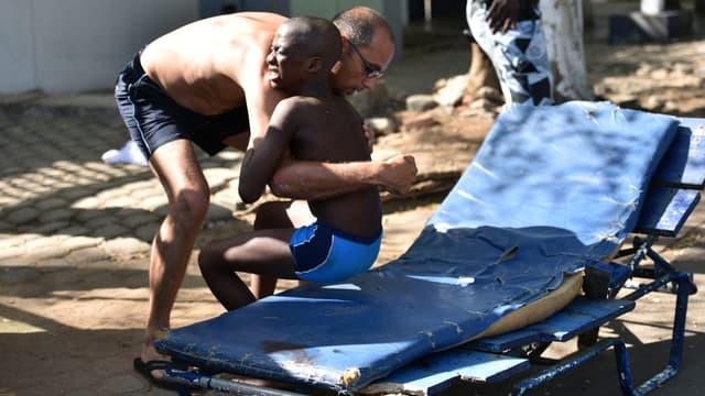 Chaque dimanche, de nombreuses familles africaines se retrouvent à Grand-Bassam.