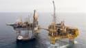 La fuite de gaz sur le gisement d'Elgin de Total (photo) en mer du Nord va coûter cher au groupe pétrolier français mais la situation semble sans commune mesure avec la marée noire survenue en 2010 dans le golfe du Mexique après l'explosion d'une plate-fo