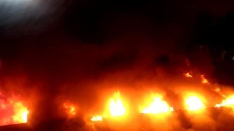 Spectaculaire incendie à Sarcelles  - Témoins BFMTV