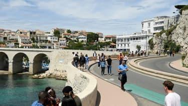 La route de la Corniche au niveau de l'Anse de la Fausse Monnaie dans le quartier d'Endoume à Marseille le 23 mai 2021
