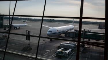 """Le transport aérien est le secteur """"le plus touché"""". Son chiffre d'affaires mondial devrait baisser entre 51% et 57% en 2020"""