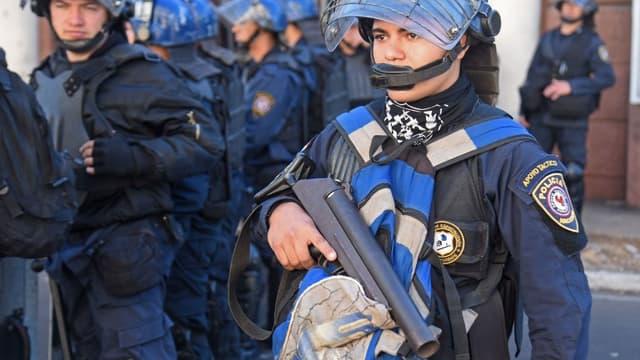 Les enquêteurs estiment que ces puissants fusils ont pu être revendus à des gangs brésiliens. (PHOTO D'ILLUSTRATION)