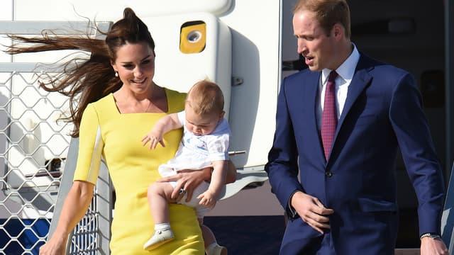 Kate, William et le petit prince George sont arrivés en Australie, ce mercredi, pour la suite de leur tournée aux antipodes.
