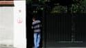 Grille d'entrée de la propriété de Liliane Bettencourt à Neuilly-sur-Seine. Une perquisition a été menée mercredi matin au domicile de l'héritière de L'Oréal, dans le cadre de l'enquête menée par le juge Isabelle Prévost-Desprez sur les accusations d'abus
