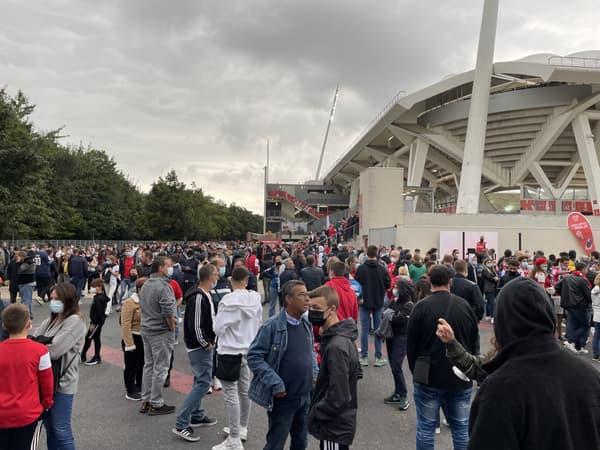 Beaucoup de monde à Reims pour la première de Messi avec le PSG