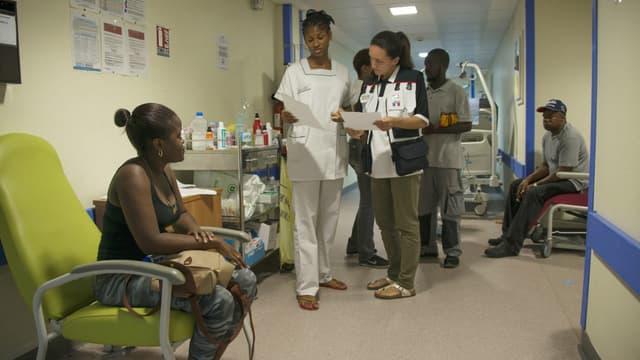 Du personnel médical à l'hôpital de Saint-Martin en août 2017.