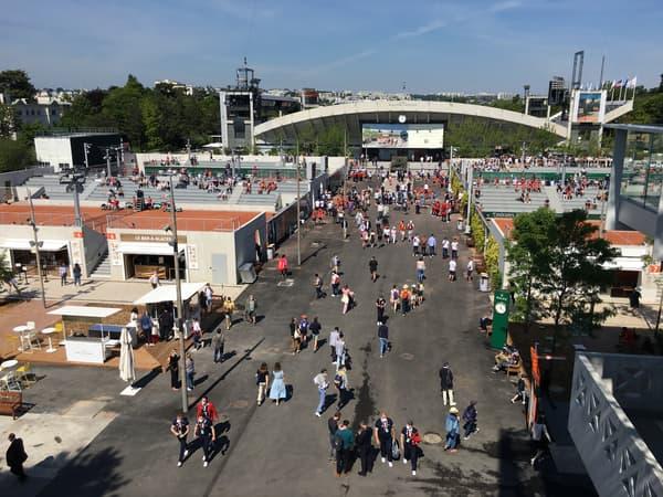 Les allées de Roland-Garros, le dimanche 30 mai 2021.