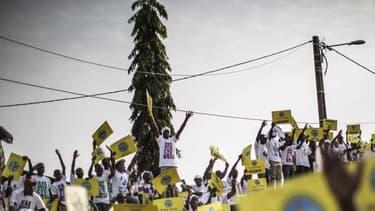 """Jean Ping, l'opposant à Ali Bongo, se proclame """"élu"""" président au Gabon"""