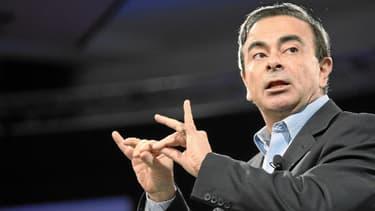 Carlos Ghosn reconnaît que le démarrage du marché des véhicules électriques est beaucoup plus lent que prévu.