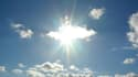 Les rayons solaires contriburaient à faire baisser la tension artérielle, selon une étude publiée lundi.
