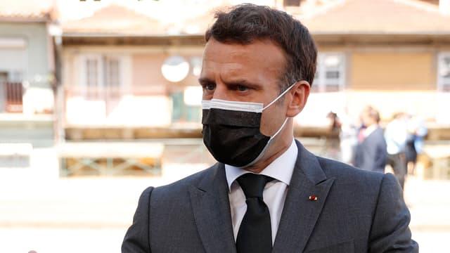 Emmanuel Macron lors de son arrivée au sommet social européen, organisé à Porto au Portugal, vendredi 7 mai 2021