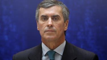 """Le ministre du Budget Jérôme Cahuzac accuse Laurence Parisot, qui a apporté son soutien au mouvement des """"pigeons"""", de faire de la surenchère. Ce mouvement rassemble des chefs d'entreprise qui ont protesté contre le projet gouvernemental de renforcement d"""