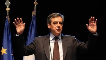 """François Fillon veut """"décoiffer"""" avec son programme économique pour 2017."""