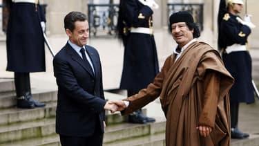 Visite de Mouammar Kadhafi à Paris, en décembre 2007.