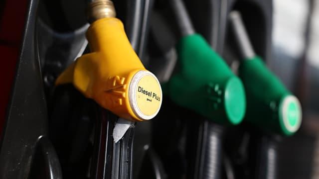 La taxe sur les carburants pourrait augmenter de 1 ou 2 centimes.
