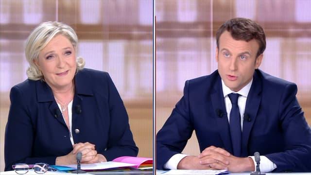 Marine Le Pen et Emmanuel Macron, lors du débat présidentielle de l'entre-deux-tours à Paris, le 3 mai 2017.