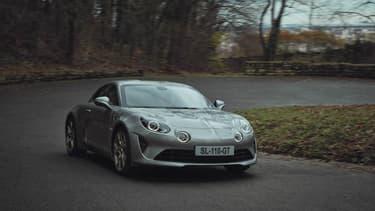Alpine lance une nouvelle série limitée, la Légende GT, bien plus cher que l'A110 classique.