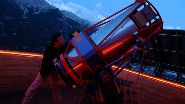 Les nuits des étoiles sont l'occasion pour de nombreux passionnés d'admirer le ciel, et pour le grand public de découvrir l'astronomie