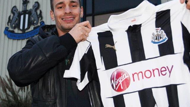 Newcastle : Mathieu Debuchy