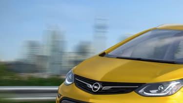 L'Opel Ampera-e sera dévoilée au Mondial de Paris. Elle repose sur la Chevrolet Bolt américaine.