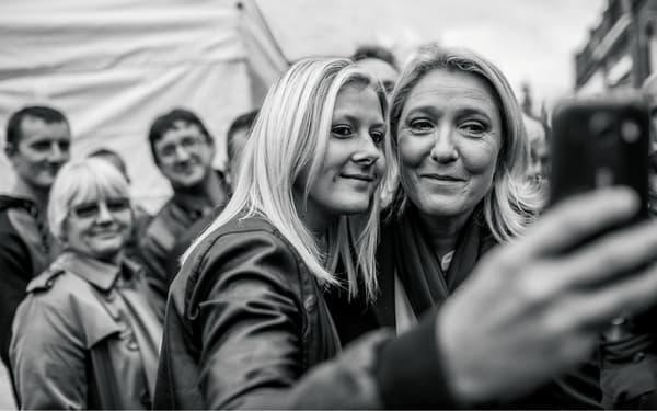 """Photo de couverture de """"L'illusion nationale"""", de Vincent Jarousseau et Valérie Igounet."""
