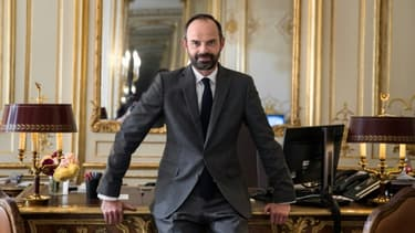 Le Premier ministre Edouard Philippe dans son bureau de l'Hôtel Matignon, le 17 mai 2017