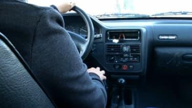 Yohann, comme des milliers d'autres automobilistes français, roule sans assurance