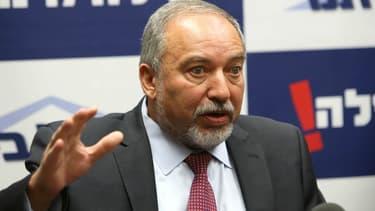 """Avigdor Lieberman estime qu'il est dans une """"impasse"""" pour entrer dans la coalition de Benyamin Netanyahou, mais les négociations entrent les deux hommes se poursuivent."""