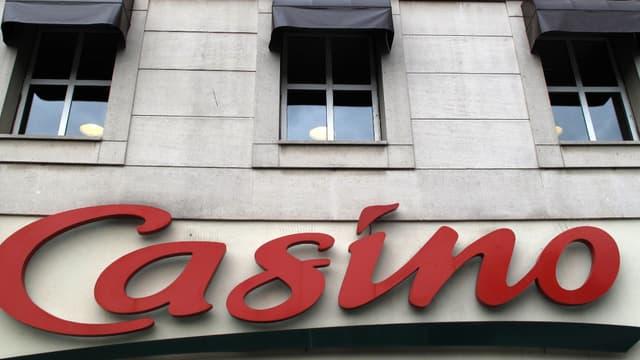 Casino se rapproche d'Auchan.