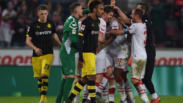 Pierre-Emerick Aubameyang déçu après la défaite du Borussia à Cologne