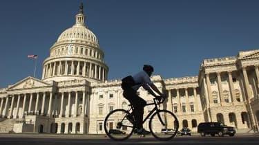 Le Sénat américain à majorité républicaine a voté pour obliger Barack Obama à soumettre tout accord nucléaire avec l'Iran au Congrès cet été