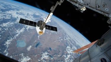 Des astronautes ont été nommés, ce jeudi, pour devenir les premiers à participer à des vols dans les navettes spatiales de l'avenir, des compagnies Boeing et SpaceX.