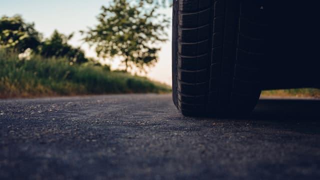Les routes construites avec un revêtement intégrant du caoutchouc sont plus résistantes ( image d'illustration).