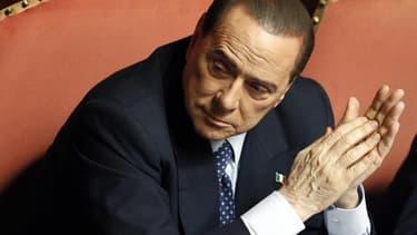 Silvio Berlusconi a été condamné mercredi en appel à une peine de quatre ans de prison pour fraude fiscale dans l'affaire de l'achat de droits télévisés par son empire médiatique Mediaset. /Photo prise le 30 avril 2013/REUTERS/Giampiero Sposito