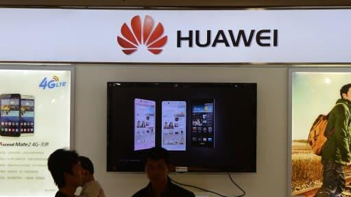 Le Chinois Huawei veut concurrencer Apple et Samsung sur le marché des smartphones.