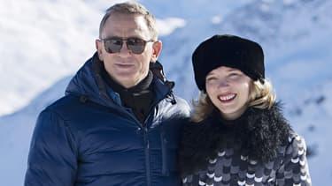 """Daniel Craig, """"James Bond"""", et Léa Seydoux """"Madelein Swann"""", sur le tournage, en Autriche, de """"007 Spectre""""."""
