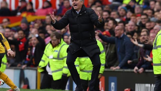 A peine arrivé, José Mourinho s'est déjà approprié le centre d'entraînement de Manchester United.