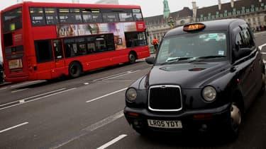 Les futurs black cabs londoniens rouleront en partie grâce à l'électricité. (image d'illustration)