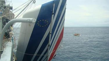 La troisième campagne de recherches de l'épave du vol AF 447 Rio-Paris dans l'Atlantique s'achèvera mardi sur un échec et une bataille d'experts, qui s'opposent sur la position de l'épave, selon Le Figaro, à paraître mardi. /Photo prise le 9 juin 2009/REU