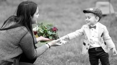 Un bouquet de fleurs reste le cadeau le plus classique à l'occasion de la Fête des mères.