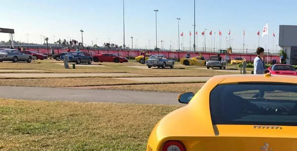 Ce modèle a été aperçu lors d'un événement Ferrari organisé sur le circuit de Daytona, en Floride.