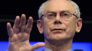 L'évasion fiscale prive les pays de l'Union européenne (UE) de 1.000 milliards d'euros par an, selon le président du Conseil européen, Herman Van Rompuy, qui a annoncé que les dirigeants de l'UE évoqueront ce thème lors de leur prochain sommet, prévu en m