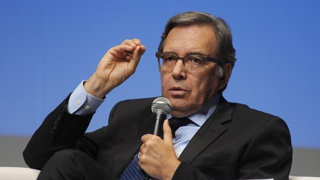 Le PDG de TF1 Nonce Paolini poursuit son programme d'économies